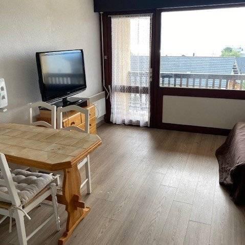 814 Studio cabine