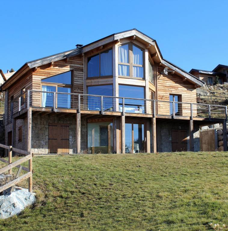CHALET RECENT SUR 1600 m² DE TERRAIN