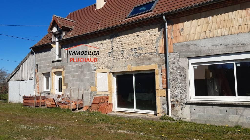 Maison à finir de restaurer, à moins de 10 mn de PARAY