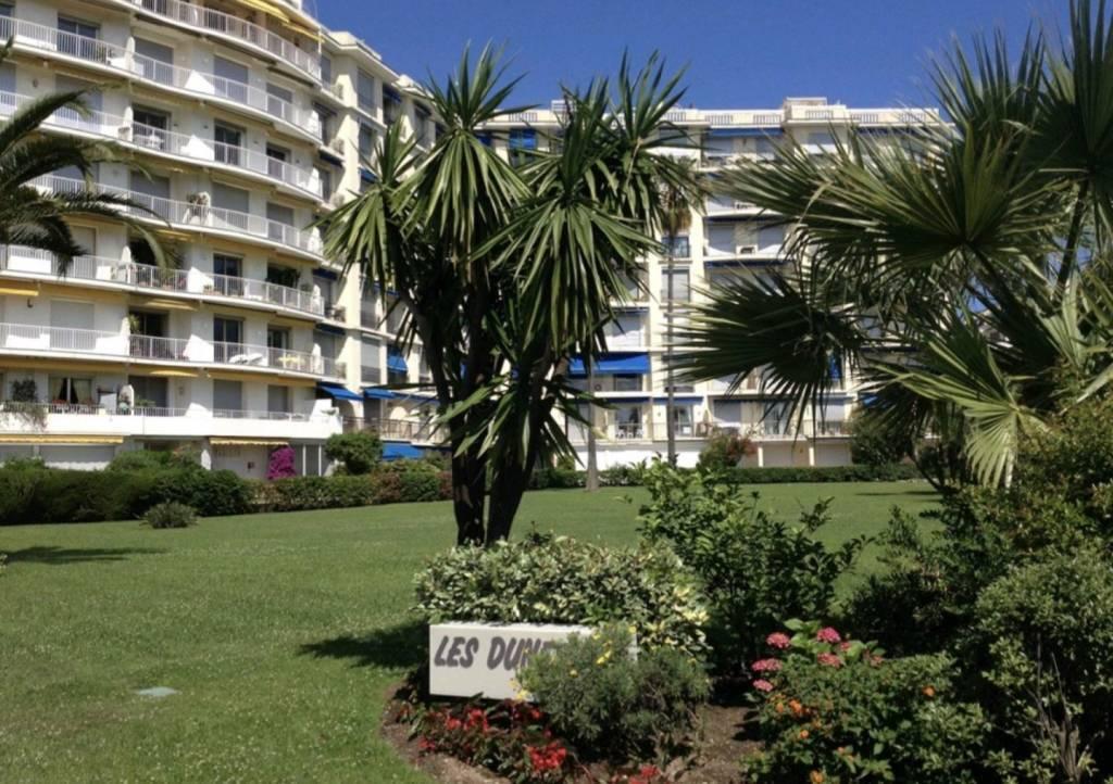 Bel appartement de 96m2 de luxe a 100m des plages