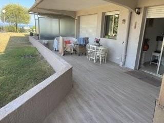 F3 ANTIBES résidence piscine vue dégagée