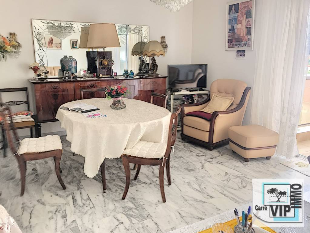 Juan les pins beautiful F4 near beaches and center with cellar and parling