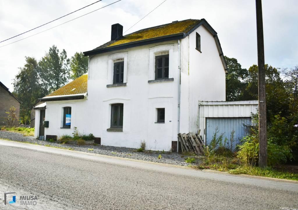 maison à rénover avec grand terrain
