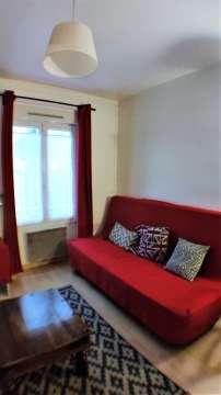 séjour / canapé / double vitrage PVc / volets électriques / calme / parquet