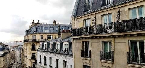 vue sur monument de l'appartement / logement ancien situé aux abbesses