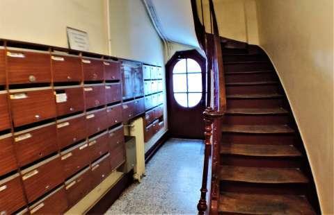 hall de l'immeuble ancien en copropriété