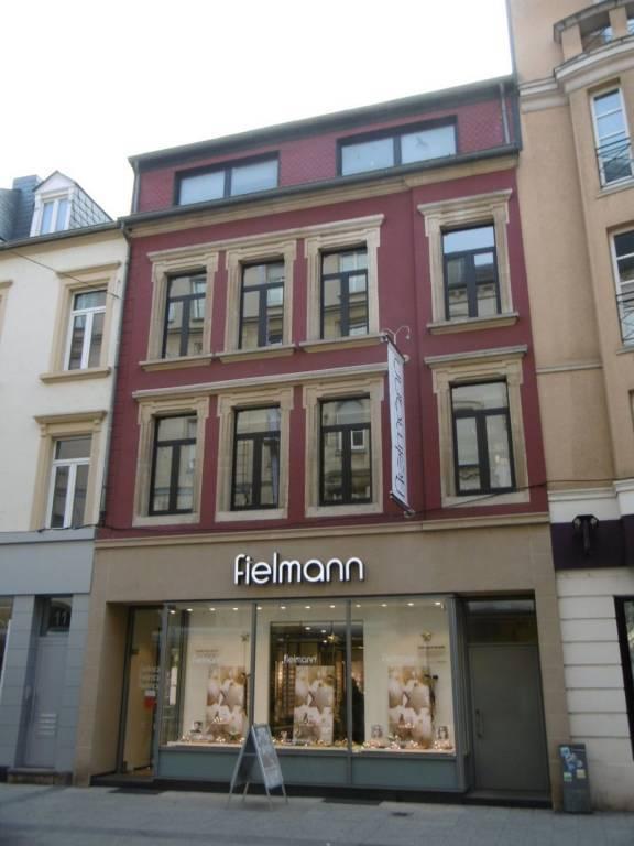 Maison de rapport -2470000 € - Esch-Sur-Alzette