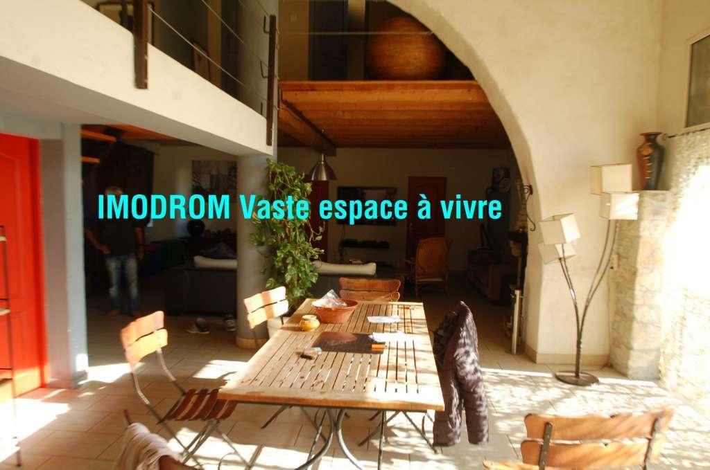 10 minutes Est Montélimar maison de village 160 m2 habit 5 P garage