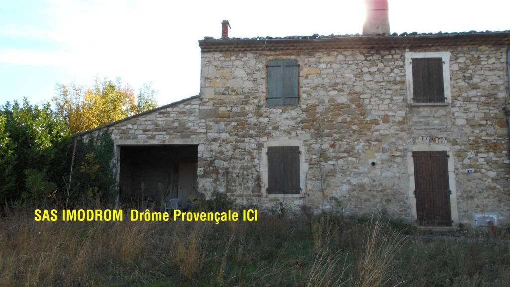 Maison pierres pays EST Montélimar T3 sur 618 m2 terrain