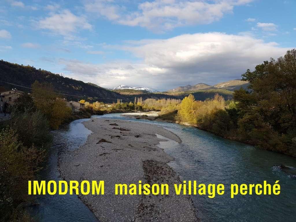 Maison de village perché Pontaix vallée de la Drôme