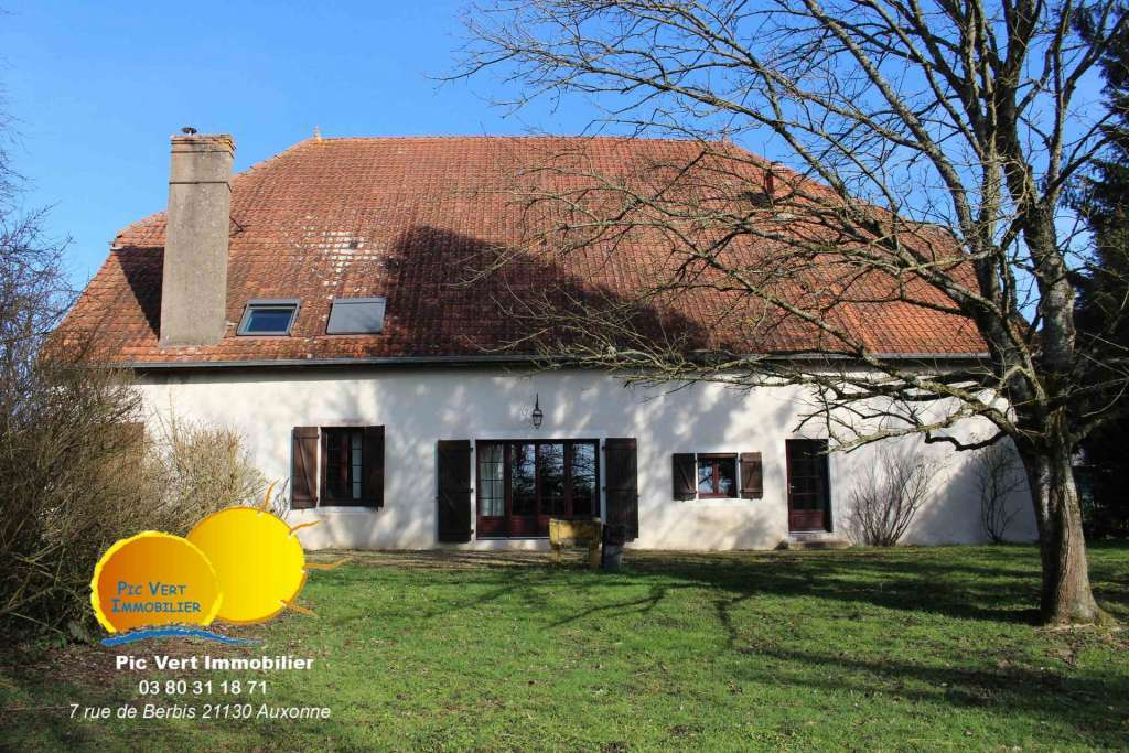 Maison de maître 350 m², 10 pc, 5ch, Auxonne