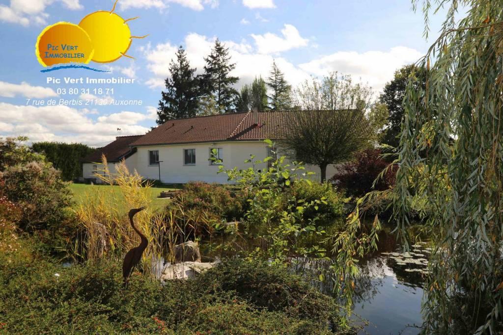 Maison climatisée de plain-pied, 164 m², 4ch, piscine, terrain 3638m²