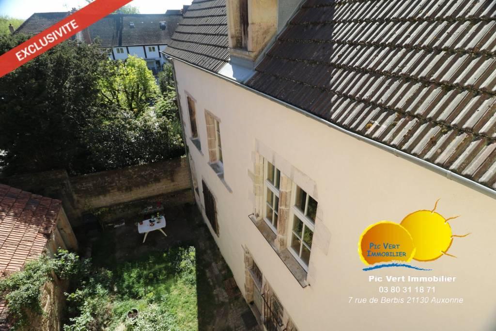 Ensemble immobilier au centre d'Auxonne