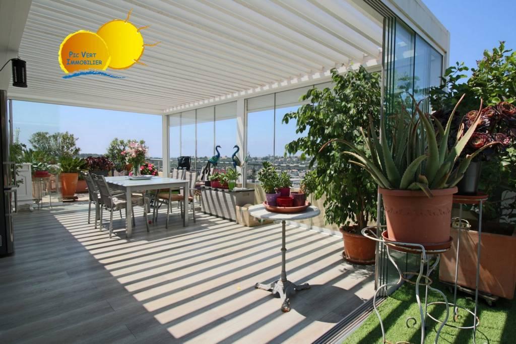 VILLA SUR TOIT 96 m² +TERRASSE 77m² vue panoramique sur mer