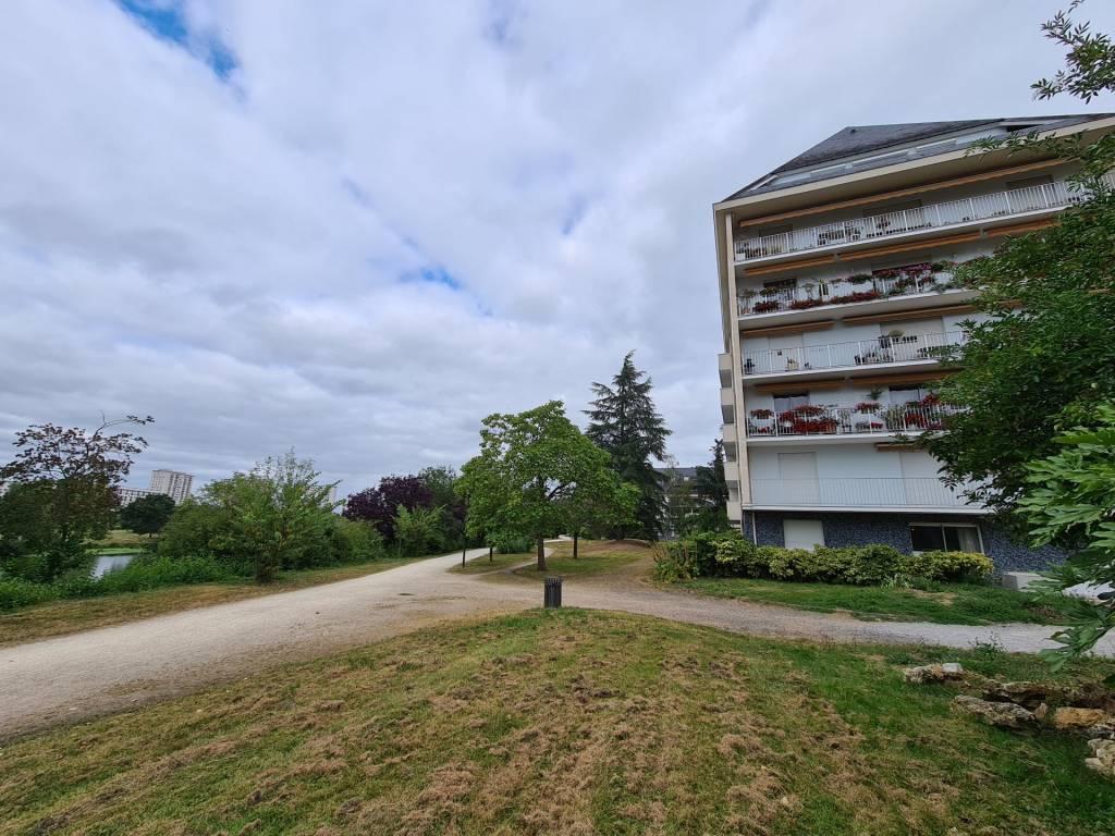 EXCLUSIVITE TOURS SUD : Spacieux appartement T5 de 109 m²