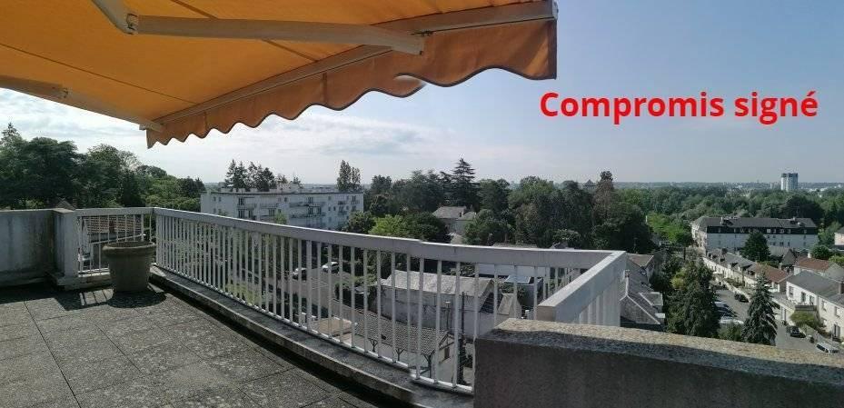 A 600 M DU PONT WILSON DE TOURS SUR LA COMMUNE DE SAINT CYR SUR LOIRE : Dernier étage avec terrasse et vue panoramique,  spacieux appartement de 107 m²