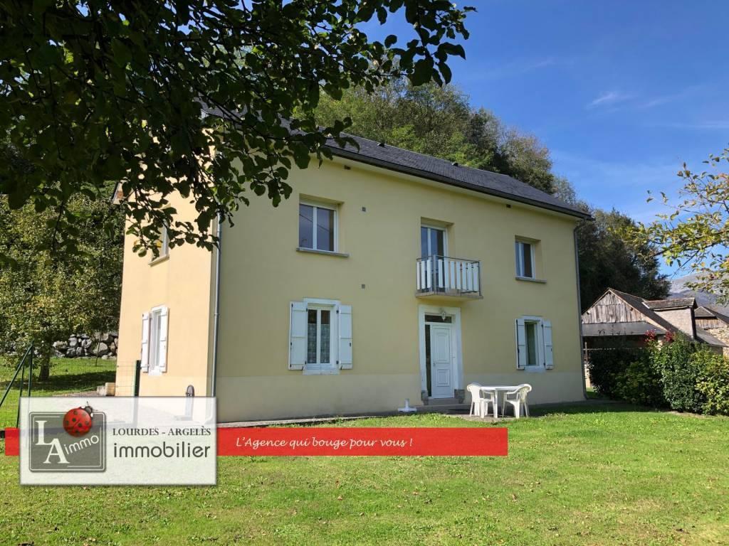 Propriété : Maison 2 appartements + 2 granges - ARGELES-GAZOST