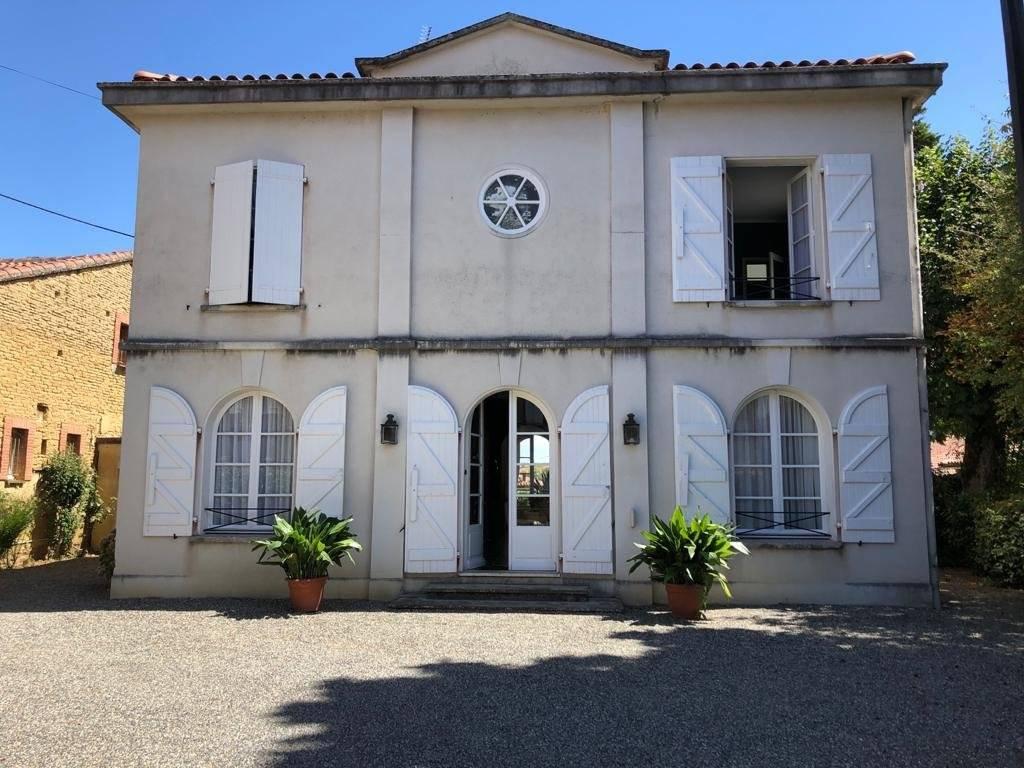30 km de Toulouse - Maison de caractère  8 pièces