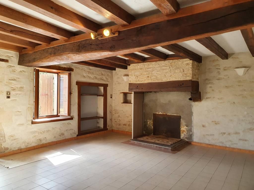 Maison ancienne rénovée plain pied 2 chambres