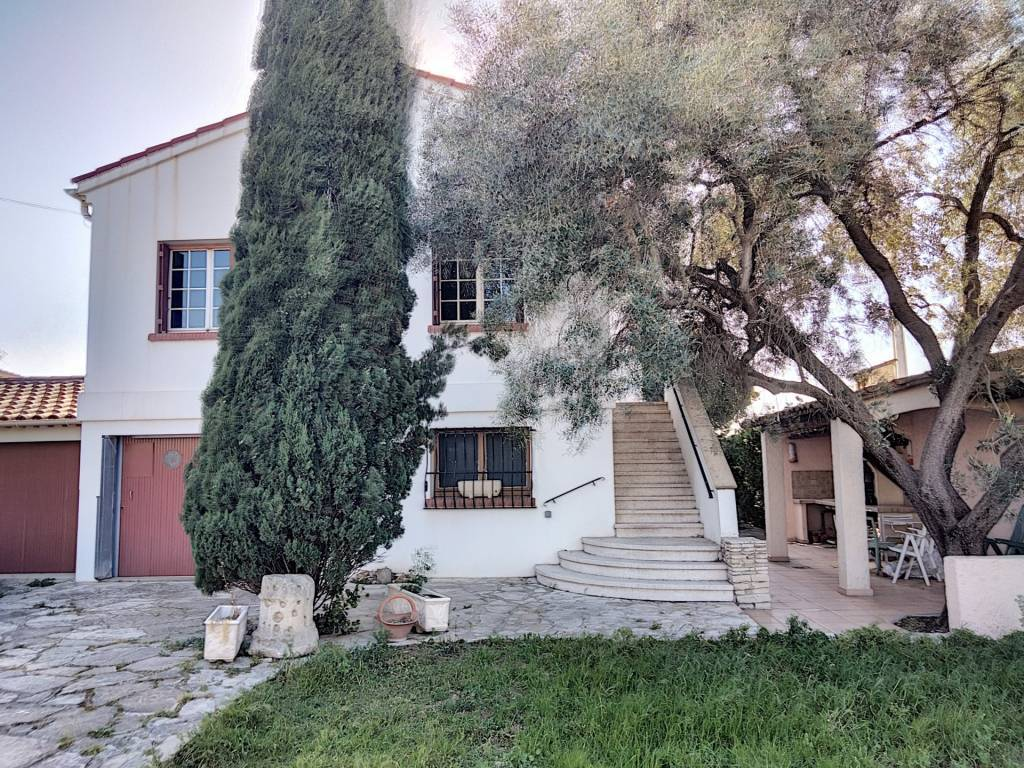 BERRE L'ETANG villa possibilité deux appartements