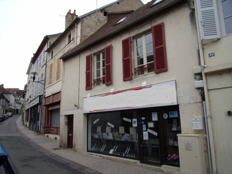1 24 Saint-Pourçain-sur-Sioule