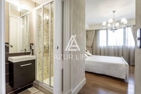 Salle de bains Lustre Parquet