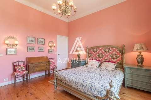 Bedroom Wooden floor Chandelier