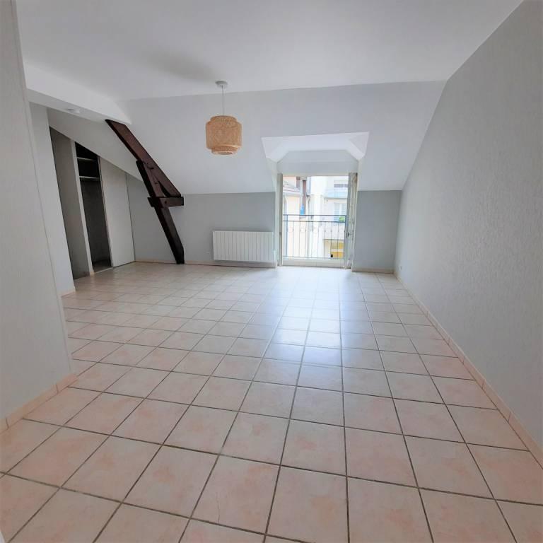 A LOUER CENTRE VILLE F3 Duplex