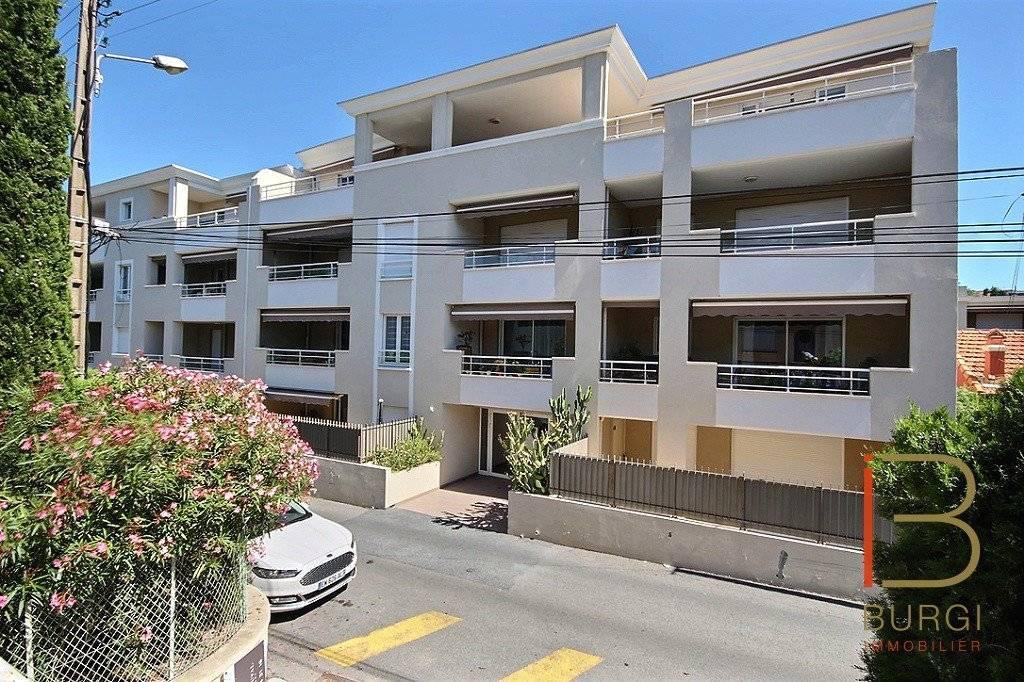 Saint-Raphaël proche centre: 4P récent de 98m2 avec terrasse sud et garage. Exclusivité