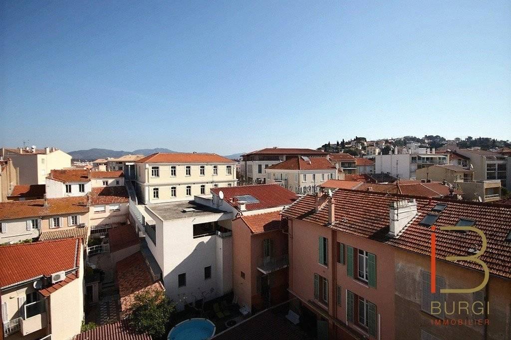 Saint-Raphaël Centre: Exclusivité. 3P en étage avec terrasses