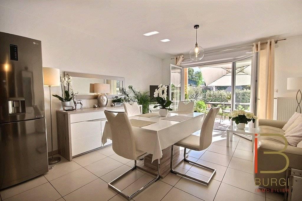 Fréjus, Proche Hopital: Magnifique T3 récent avec jardin et terrasse, garage double