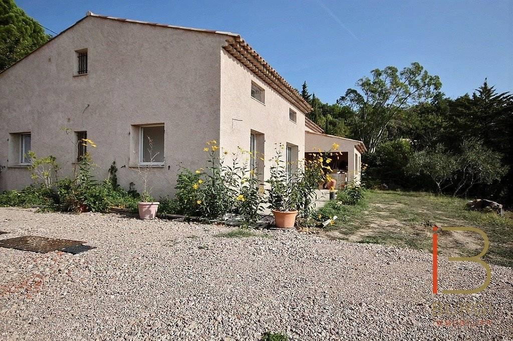 EXCLUSIVITÉ: SEILLANS Provençal 8 pièces à terminer, avec vue imprenable sur tout l'estérel