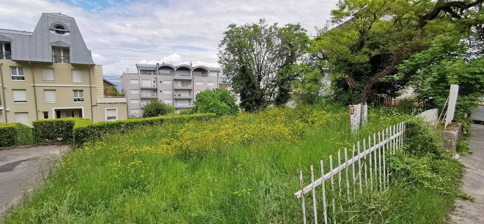 1 2 Évian-les-Bains