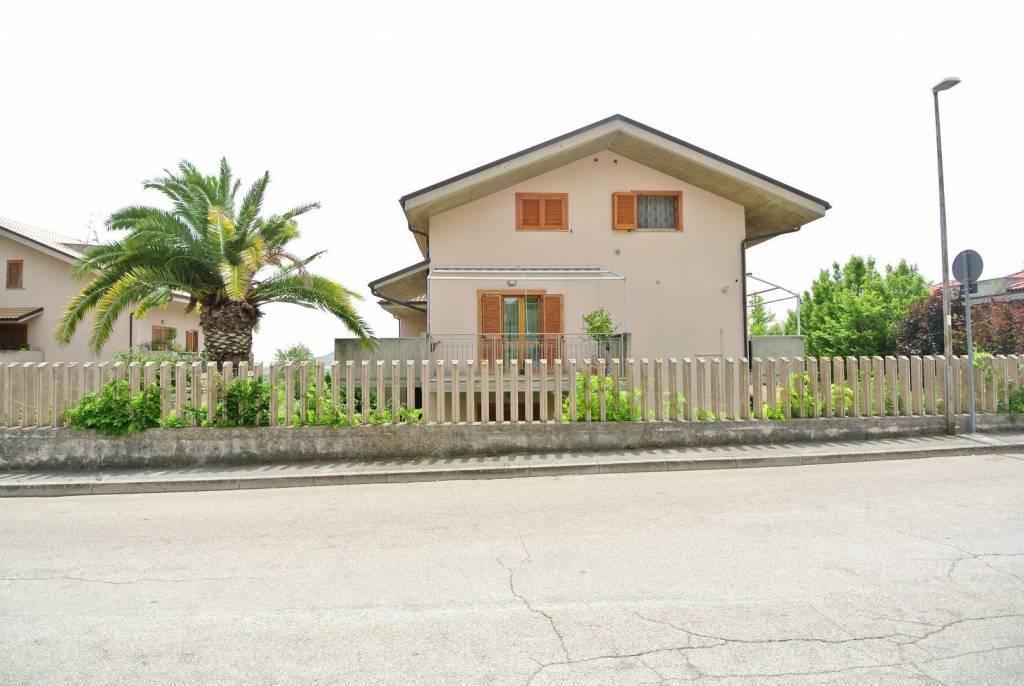 Sale Apartment Città Sant'Angelo