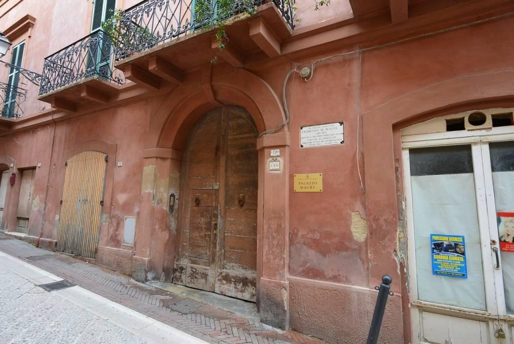 Locale commerciale in centro storico