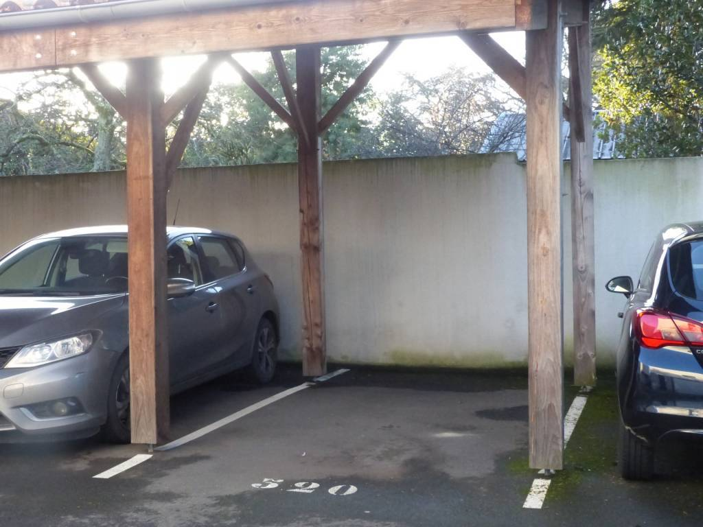 Place de parking sécurisée - Saint-Sébastien-Sur-Loire
