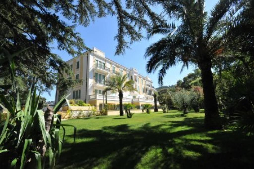 Cannes rez de jardin, 3 pièces