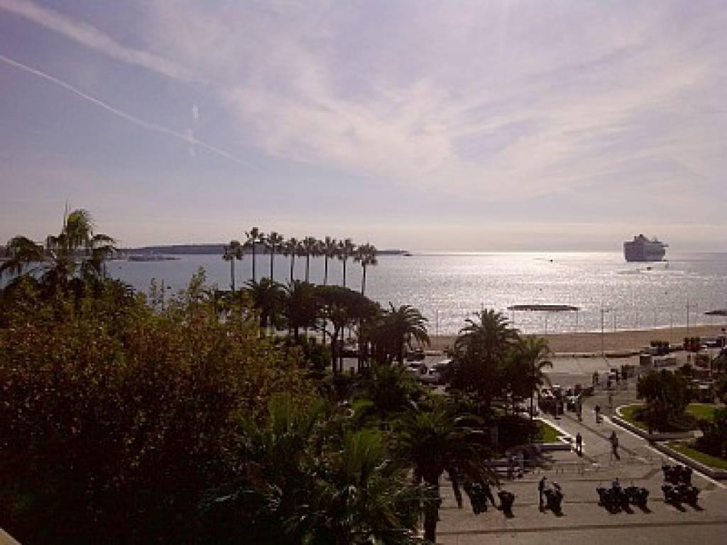 Cannes  Croisette appartement 2 pièces