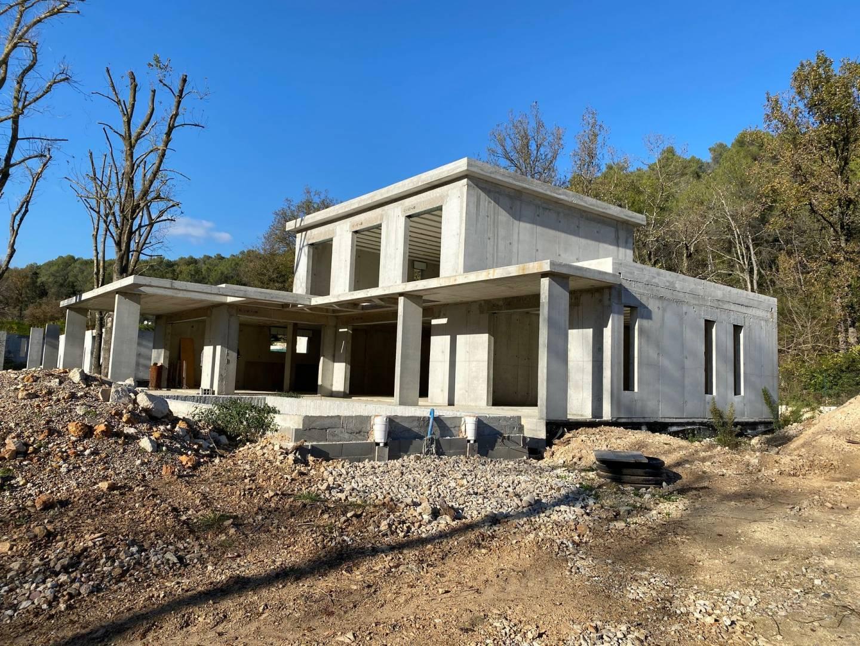 بناء جديد منزل Opio