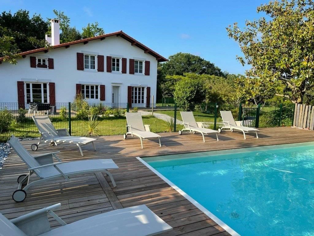 Immense maison en location à Bayonne (64)