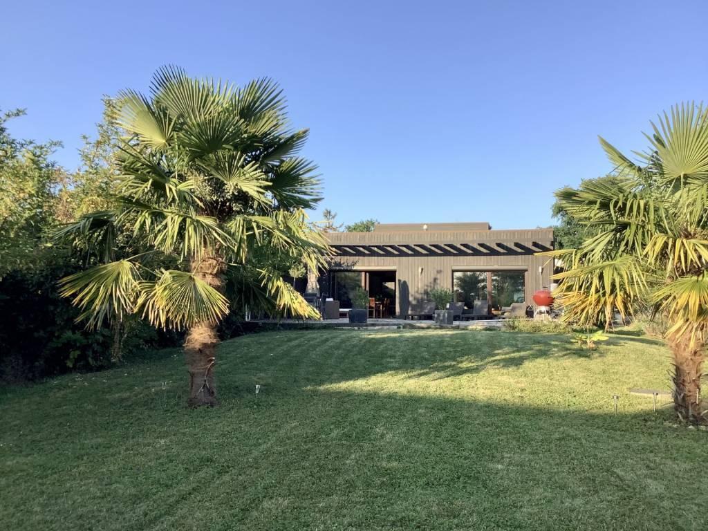 Maison contemporaine en bois à Etiolles