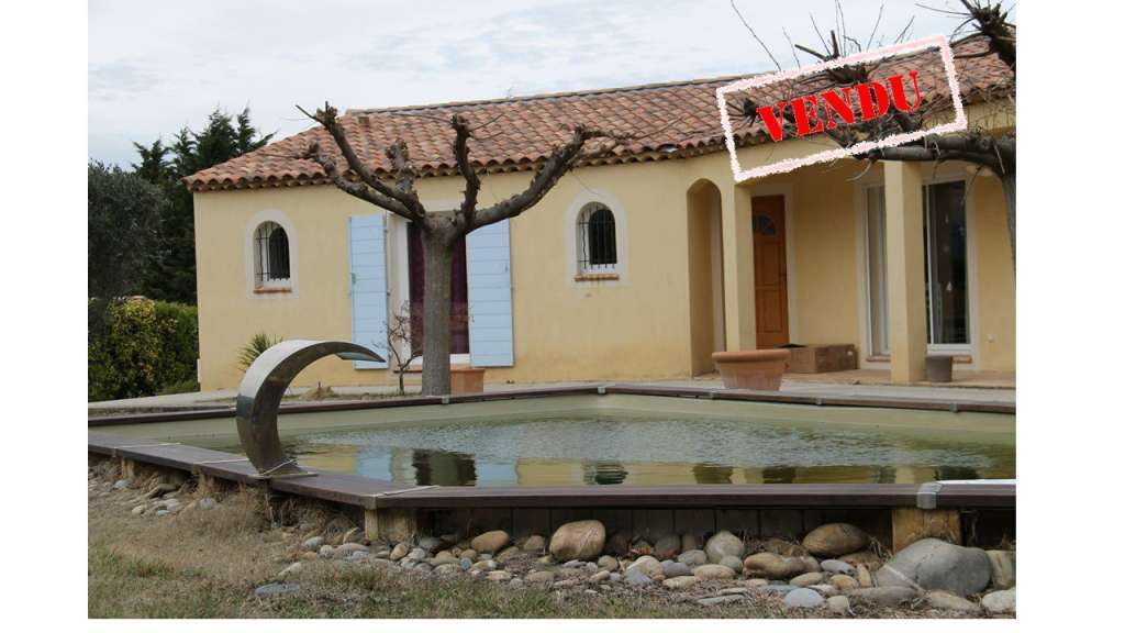 Très belle villa de plain pieds avec piscine