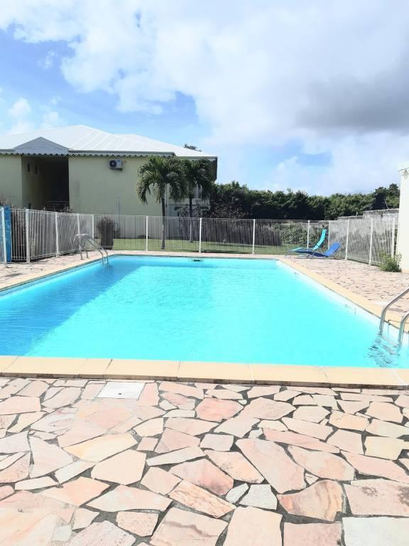 Appartement T2 rénové avec piscine