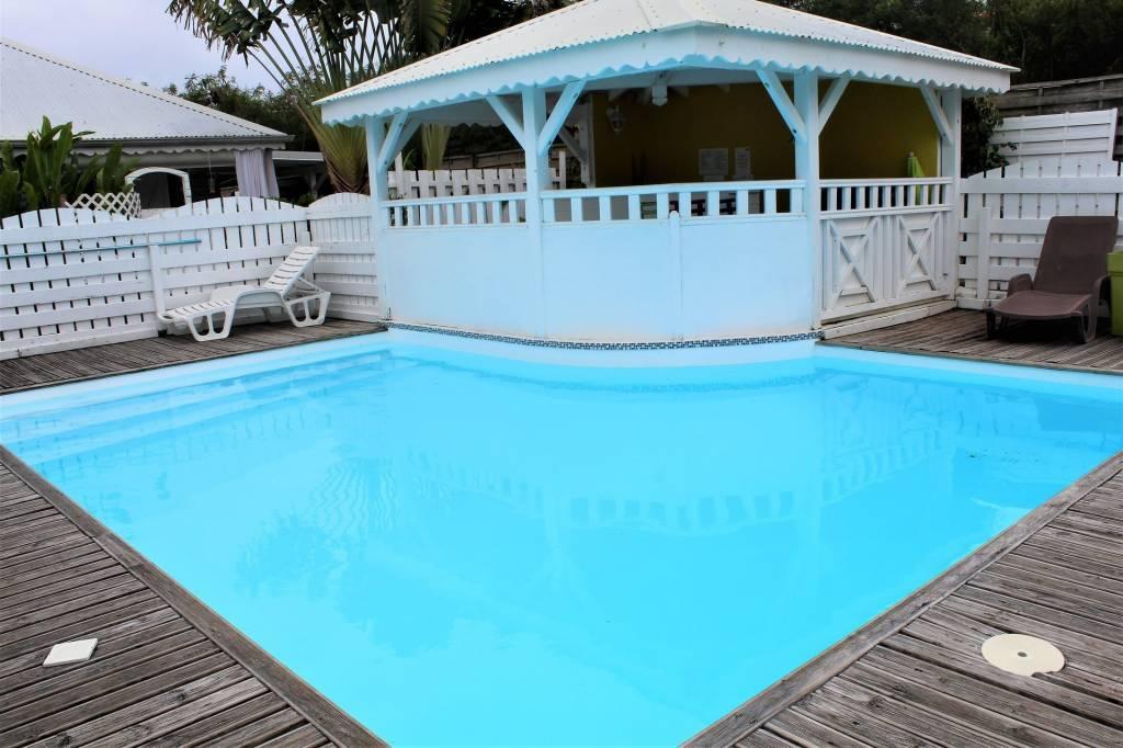 Bungalow petite copropriété avec piscine