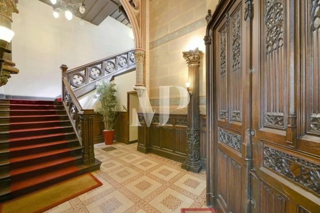 Appartement atypique  de 100m2 dans un hôtel particulier de style néogothique