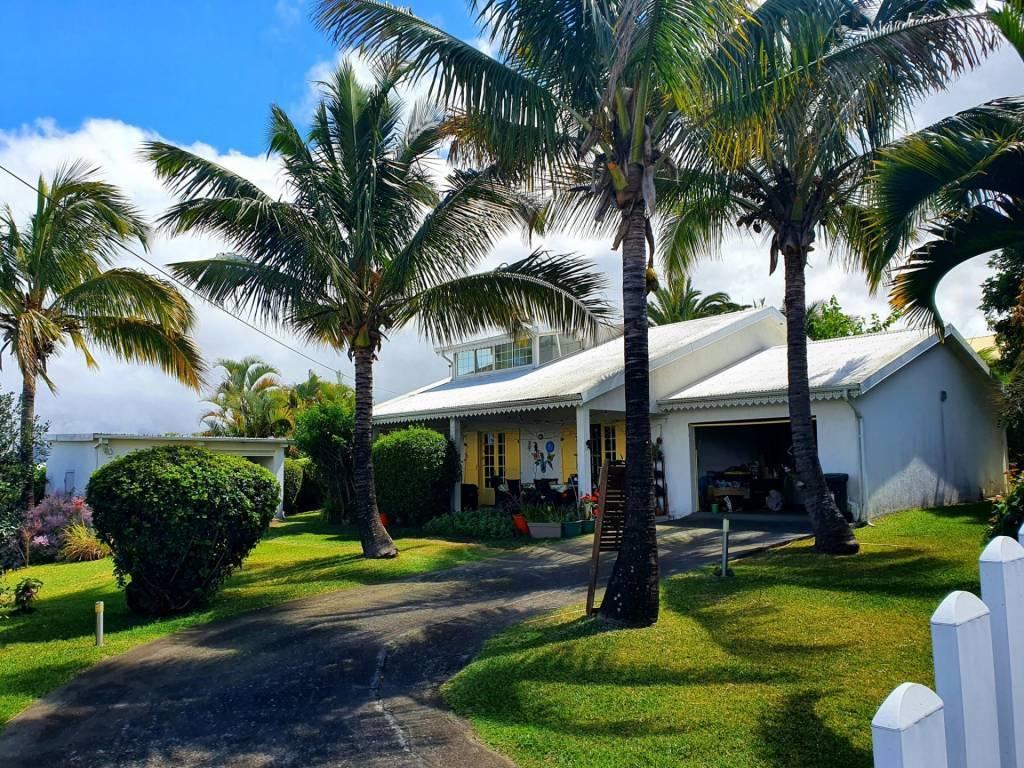 Aux Trois Mares, maison avec terrasse 4 pièces en vente