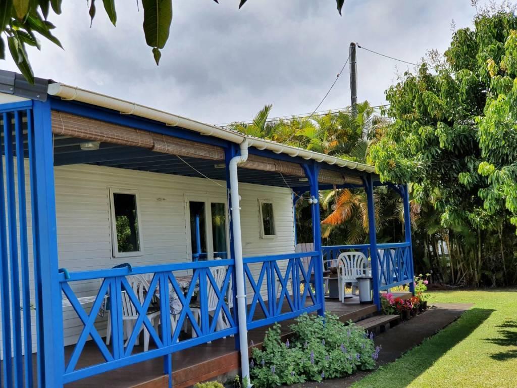 Aux Trois Mares, maison avec terrasse à acheter