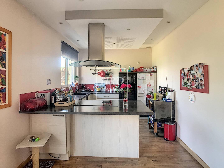 Kitchen Wooden floor Stainless steel Kitchen bar