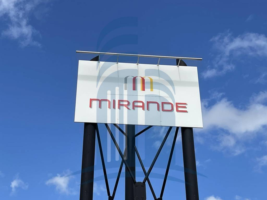 A LOUER / Mirande - Bureaux 181 m2