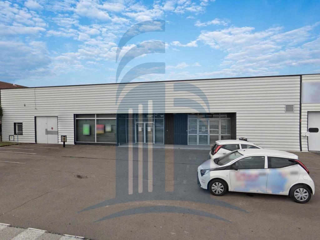 A LOUER / Locaux Commerciaux - 743 m2